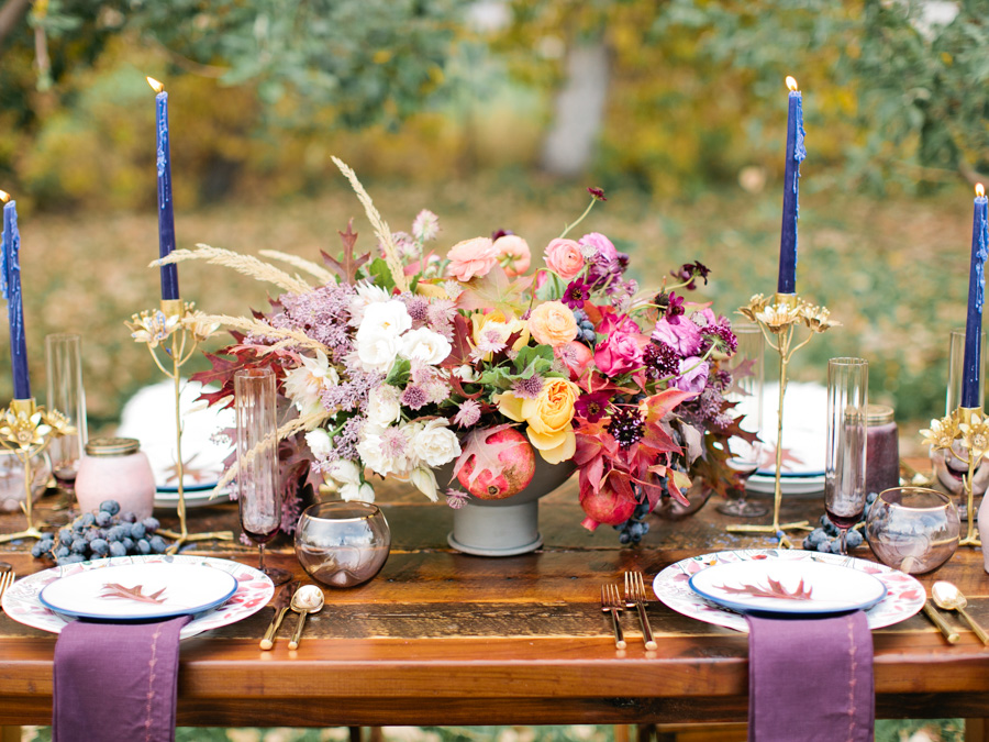 Modern Fall Flowers and Tablescape for Thanksgiving Feast : photo by Callie Hobbs Photography