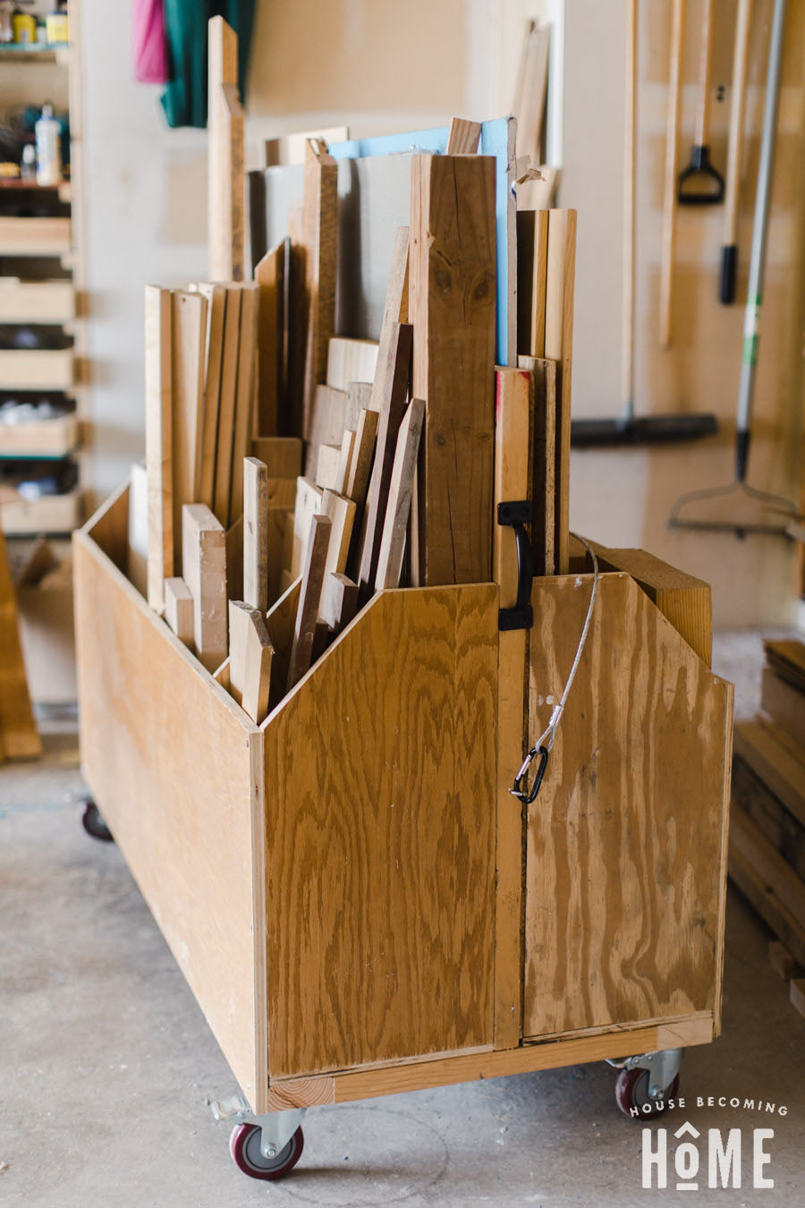 How to Build a Scrap Cart Organizer - Free Plans, Instructions and Photos