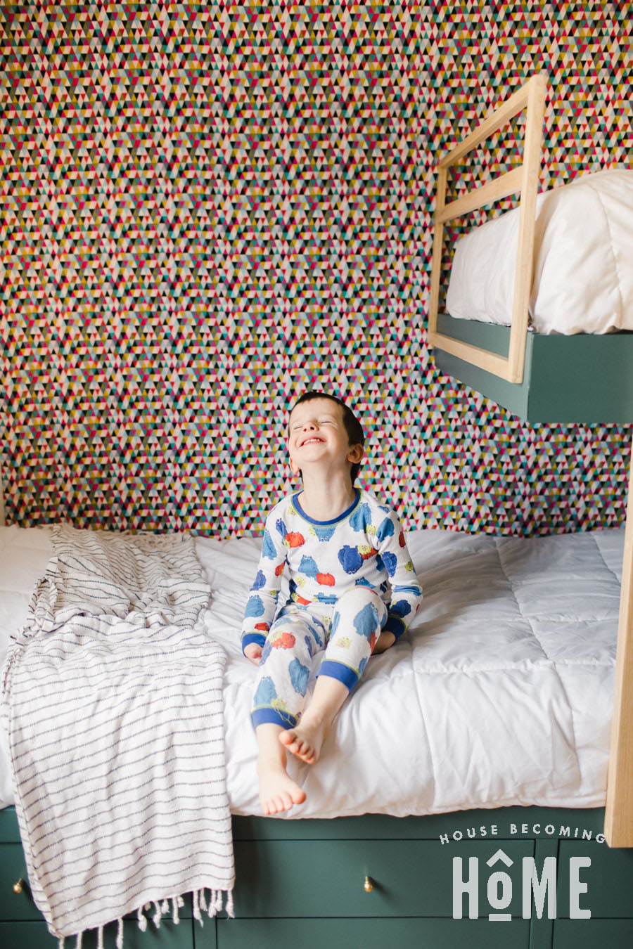 DIY Fabric Feature Wall in Kids Bedroom