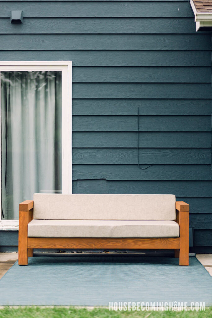 How-to-Build-an-Outdoor-Couch